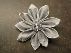 Tsumami Hair Flower :  wedding tsumami flower clip bridesmaids flowers diy P7260980
