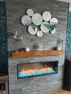 Silver grey multi brick slate vneeer fire place. Natural Stone Cladding, Feature Walls, Stone Veneer, Slate, Natural Stones, Interior And Exterior, Brick, Tiles, Grey