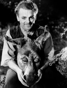 SHAKESPEARE: James Cagney donned the famous ass's head to play Bottom in the 1935 film version of 'A Midsummer Night's Dream', which is one of the most widely performed and best-loved of Shakespeare's comedies. James Cagney, Golden Age Of Hollywood, Classic Hollywood, In Hollywood, Olivia De Havilland, Turner Classic Movies, Classic Films, Max Reinhardt, James Francis
