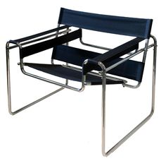 Wassily chair, 1925 by Marcel Breuer. Bauhaus architect and designer. Adirondack Chairs, Outdoor Chairs, Outdoor Furniture, Outdoor Decor, Industrial Office Chairs, Wassily Chair, Chair Drawing, Most Comfortable Office Chair, Marcel Breuer