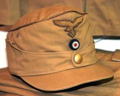 Luftwaffe General Officer's Tropical Field Cap Named to Generalmajor Bernhard Ramcke Ww2 Uniforms, German Uniforms, Military Uniforms, Camouflage, Military Memorabilia, Germany Ww2, Afrika Korps, Peaked Cap, Military Cap