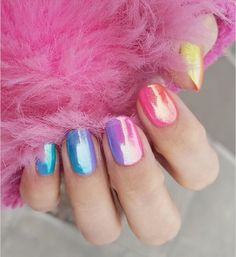 Chrome and Holographic Rainbow Ombre 30 Trendy Options for Ombre Nails For Popular Nail Colors, Fall Nail Colors, Red Nail Polish, Red Nails, Colorful Nail Designs, Nail Art Designs, Nails Design, Holiday Nails, Christmas Nails