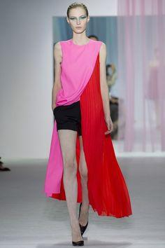#Dior #rojo #red #fucsia #shorts #vestido #rojo #black #negro #ss13 #primavera #verano #2013 #spring #summer #fashion #look