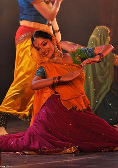 Most current Photo Strategies Vandana Puthanveettil comes with an sophisticated Pastime: she is really a part-time alone dancer. Dance India Dance, Folk Dance, Dance Art, Just Dance, Garba Dance, Hindus, Kathak Dance, Indian Classical Dance, Dance Poses