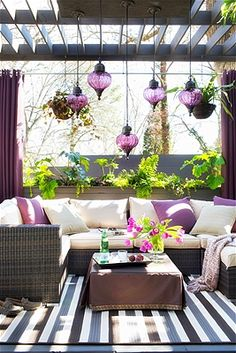 Style in a small outdoor space Plant wisely, your choice of plants is especially important when space is limited. Choose plants with a purpose....
