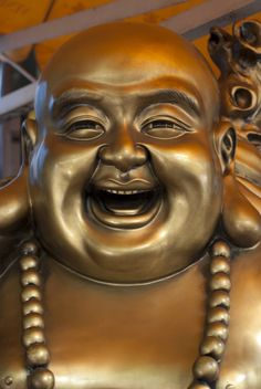 Statue of a laughing buddha in Chinatown, Singapore. The Laughing Buddha Buddha Drawing, Buddha Painting, Buddha Art, Maitreya Buddha, Gautama Buddha, Laughing Baby, Laughing Emoji, Friends Laughing, People Laughing
