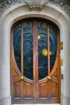 Art Nouveau Door, Beaubourg/Les Halles district of Paris - love the doors! Cool Doors, Unique Doors, The Doors, Entrance Doors, Doorway, Windows And Doors, Front Doors, Entrance Ideas, Les Halles Paris