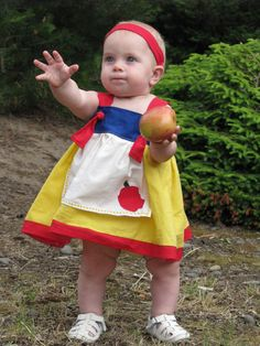 Snow White knot dress - cute idea! Going to try to master sewing before next Disney trip!