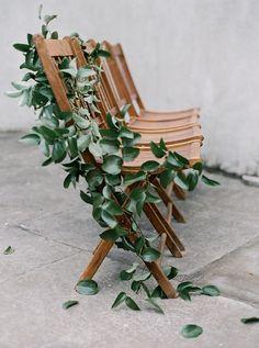 Elegant and Graceful Wedding Ceremony Inspiration in Atlanta - Wedding Day Details - Wedding Chair Decorations, Garland Wedding, Wedding Chairs, Wedding Ceremony, Decor Wedding, Wedding Venues, Wedding Ideas, Botanical Wedding, Floral Wedding
