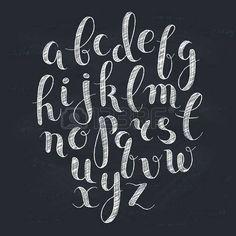 chalkboard letter: Letras hechas a mano. Alfabeto manuscrita en la pizarra. Dibujado a mano de la caligrafía. Tipografía tiza Moderno.