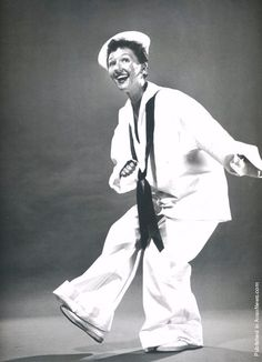 Mary Martin in South Pacific. Along with her friend Ethel Merman, these ladies ruled Broadway for years starring in one successful show after another. Broadway Plays, Broadway Shows, Ethel Merman, Mary Martin, Philippe Halsman, Old Hollywood Stars, Hollywood Glamour, Broadway Costumes, Shows In Nyc