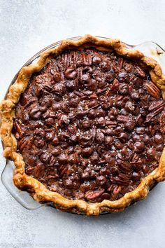Deep decadent and delicious dark chocolate pecan pie with sea salt! Recipe on sallysbakingaddic. Pecan Desserts, Pecan Pies, Delicious Desserts, Healthy Desserts, Healthy Recipes, Sweet Pie, Sweet Tarts, Pie Dessert, Dessert Recipes