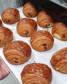 Photo by Nacho on February 12, 2021. May be an image of food. French Bakery, February 12, Recipe Images, Croissant, Nachos, Pretzel Bites, Bread, Food, Brot