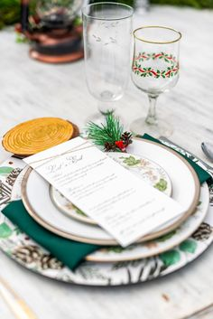 Winter Wedding Placesetting // Festive Holiday Inspired Wedding Ideas via TheELD.com Holiday Style, Holiday Fashion, Protea Wedding, Chocolate Covered Pretzel Rods, Wedding Designs, Wedding Ideas, Modern Groom, Chocolate Cake Pops, Wedding Design Inspiration