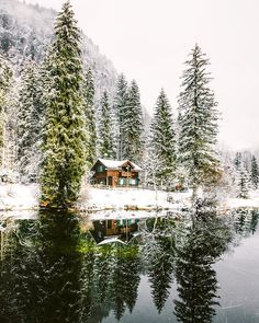 ***Winter getaway (no location given) by Jannik Obenhoff (@jannikobenhoff) on Instagram ❄️ca.
