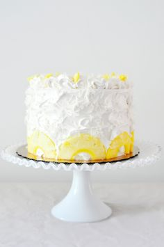 Pina Colada Cake..love the pineapple decorations