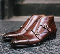 Your life will never be the same after you've strutted down the street in the Heston double monk strap. Pair it with dark denim or slacks and experience the difference of handmade luxury Italian footwear from PaulEvansNY.com