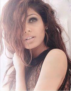 Frieda Pinto ...love the makeup
