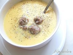A Siberian meatball, egg, and lemon soup. Cookbook Recipes, Meat Recipes, Wine Recipes, Cooking Recipes, Healthy Recipes, Greek Cooking, Cooking Time, Greek Recipes, Desert Recipes