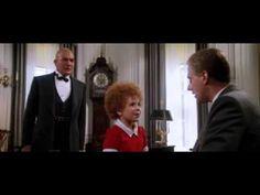 Titulo Annie Director John Huston                                                                                                                                                              Año 1982 Canción Tomorrow Autor Charles Strouse y Martin Charnin Interpretada Aileen Quinn  Genero Musicales