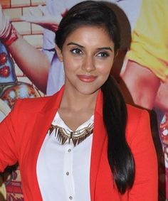 Asin Thottumkal says Bollywood is different!