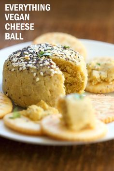 Everything bagel Seasoning Vegan Cheese Ball with Almond Flour: No soaking, blending, straining needed! Can be soy-free Vegan Appetizers, Appetizer Recipes, Snack Recipes, Vegan Cheese Recipes, Dairy Recipes, Vegan Sauces, Free Recipes, Vegan Nachos, Cheese Ball