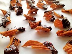 Ridiculously addictive chocolate dipped sweet potato chips!   dawdling darlings