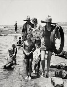 Mr. A. Wilson, Publisher, and Family at Collaroy Beach, Sydney, 1930 Photo: © Emil Otto Hoppé