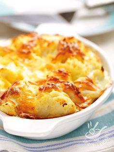 Il Cavolfiore gratinato con formaggio Puzzone è una pietanza gustosissima, dal gusto intenso, che saprà conquistarvi fin dalla prima forchettata!
