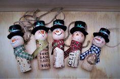 Wine Cork Ornaments, Wine Cork Crafts, Handmade Ornaments, Handmade Christmas, Cork Christmas Trees, Snowman Christmas Ornaments, Snowman Crafts, Christmas Ideas, Christmas Decorations