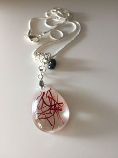 Ein persönlicher Favorit aus meinem Etsy-Shop https://www.etsy.com/de/listing/531642921/filigrane-safran-harz-halskette-necklace