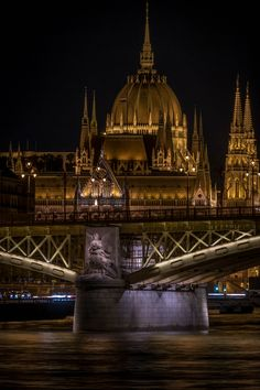 Budapest City, Budapest Hungary, Most Beautiful Cities, Beautiful Buildings, Amazing Places, Hungary Travel, Flight Attendant Life, Heart Of Europe, Central Europe