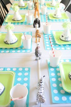 Last week Jett was invited to attend a Wild Animal Birthday Party thrown by my friend Erin for her little boy. It was so cute and the best part is that she barely spent any money! She printed off some of these Free Caravan Signature Party Hats for all the kids to wear. The centerpiece …