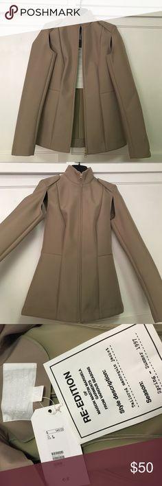 MAISON MARTIN MARGIELA FOR H&M JACKET MAISON MARTIN MARGIELA FOR H&M - tailored mannequin jacket in tan / never worn Maison Martin Margiela for H&M Jackets & Coats