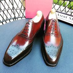 http://chicerman.com  ascotshoes:  A little twist of the Vass Budapest Oxford with a Oxblood and Bordeaux calf. I Ascot Shoes is a British based shop specialising in hand made Vass Shoes. Email Sammy for advice on Sizing Fitting & Made To Order Prices.  Ascotshoes@outlook.com   Whatsapp: 447970164988  Vass MTO Prices from USD $695  #sartorial #finestshoes #shoegazing #shoeporn #killerheels #highendshoes #handwelted #ascotshoes #classicshoes #cigarporn #englishshoes #mensfashion #rollsroyce…