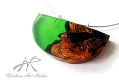 Green Wood Resin Necklace  Abstract Wood by NikibarsNatureArt