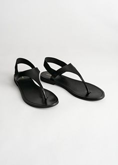 PDP - & Other Stories - & Other Stories Leather Sandals Flat, Strappy Sandals, Black Flat Sandals, Flat Shoes, Shoes Heels, Women Sandals, Shoes Women, Leather Chelsea Boots, Leather Ankle Boots