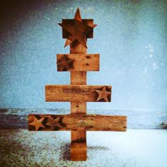 """TheBasementShop on Twitter: """"#brown#christmas#tree -  #pallets #handmade #wood #design#riciclocreativo #homedecor#recycle #pallet#palletfurniture http://t.co/6QHq5iMdug"""""""