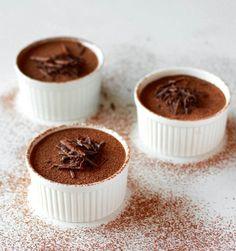 musse de chocolate https://thecookieshop.wordpress.com/2014/08/20/as-profissoes-mais-importantes-do-mundo-mousse-de-chocolate-da-simone/