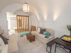 12 Best Airbnb Santorini Rentals — ckanani Bedroom Loft, One Bedroom, Cheap Hotels In Santorini, Best Hotels In Greece, Cozy Restaurant, Jacuzzi Outdoor, Rooms For Rent, Single Sofa, House Rooms