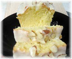 Pound Cake de Almendra y Sour Cream Comida Boricua, Pound Cake, Sour Cream, Cheese, Lisa, Ethnic Recipes, Food, Frosting, Crack Cake