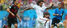 Jermaine Jones reaches for a long ball