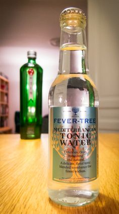Fever-Tree Mediterranean Tonic og Tanqueray No. Photo by Michael Sperling. Fever Tree Mediterranean, Tonic Water, Bartender, Vodka, Alcohol, Chandigarh, Drinks, Bottle, Drinking