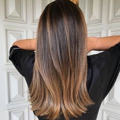 A Comprehensive Overview on Home Decoration in 2020 (With images) Brown Hair Balayage, Brown Blonde Hair, Balayage Brunette, Hair Color Balayage, Brunette Hair, Hair Highlights, Pretty Brunette, Subtle Highlights, Caramel Highlights