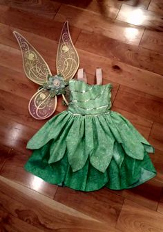 Tinkerbell Costume - Costumes I sewed - Tinkerbell Costume Toddler, Tinkerbell Outfit, Tinkerbell Party, Boy Dress Up Clothes, Girls Dress Up, Little Girl Dresses, Baby Halloween Costumes, Baby Costumes, Little Girl Costumes