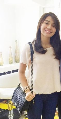 Kathryn Bernardo Kathryn Bernardo Hairstyle, Kathryn Bernardo Outfits, Debut Hairstyles, Petite Fashion, Teen Fashion, Chic Outfits, Fashion Outfits, Filipina Beauty, Asian Girl