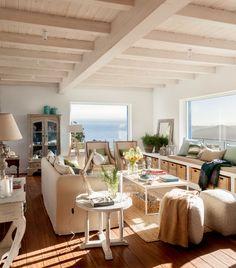 SALÓN · REFORMA Y DECORACIÓN VIZCAYA, NATALIA ZUBIZARRETA INTERIORISMO. Aprovechando la estructura del edificio, creamos la distribución de la casa, la cubierta, los forjados y le dimos a la vivienda terrazas y un porche desde el que disfruta de unas magníficas vistas al mar. Se trata de una reforma integral realizada en Tazones, Asturias, que hizo que nos trasladáramos para ofrecer un servicio de interiorismo completo, a distancia. Beach House Decor, Home Decor, Loft, Dining Table, Living Room, Bed, Outdoor Decor, Furniture, Room Ideas