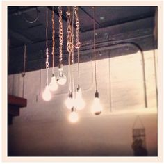 From Keetin in Brooklyn #SnakeHeadVintage #barebulb #edisonbulb #pendantlight #bklyn #nyc #brooklyn #clothcord #homedecor #lighting #lightingdesign #minimalist #chain
