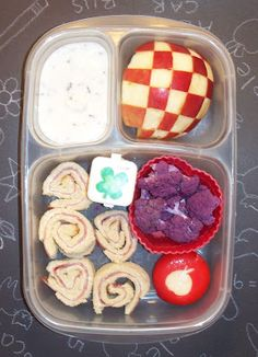 Molly's Lunch Box: MOMables Week, Lunch 3- Italian Sushi