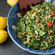 Everyone loves a good massage, even kale. Massaged Kale Salad #paleo #vegetarian #glutenfree #PaleoVegeo